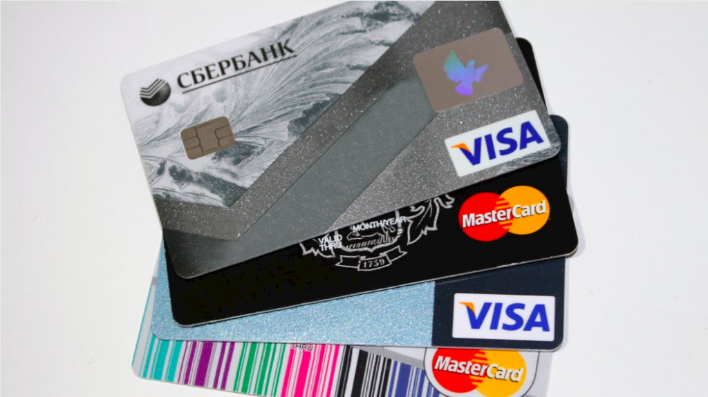 5 Things You Should Know Before Getting Your First Credit Card