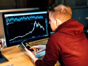 6 things you should NOT do when the stock market is volatile cover