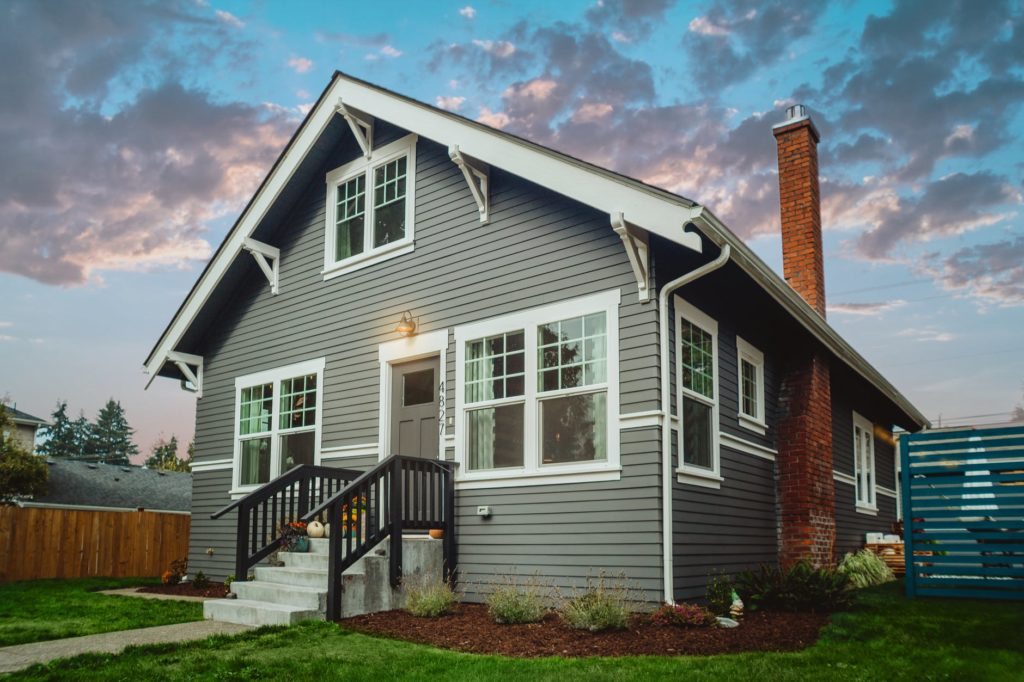 Renting vs buying a home- Which one is better 3