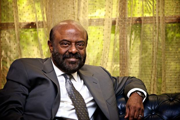shiv nadar's image - Richest Person in India