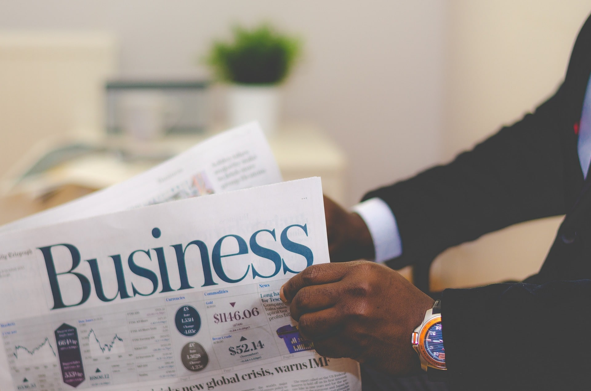 7 Best Newspapers for Stock Market India to Read cover
