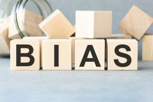 what is hindsight bias and how to avoid
