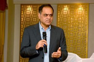Ramesh Damani while interacting with other investors
